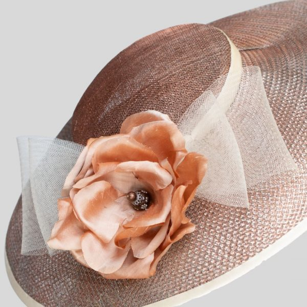 Bronze sinamay and crin couture hat with silk rose - detail